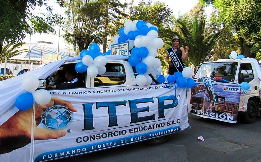 Desfile de Carros Alegóricos por XI Aniversario de ITEP