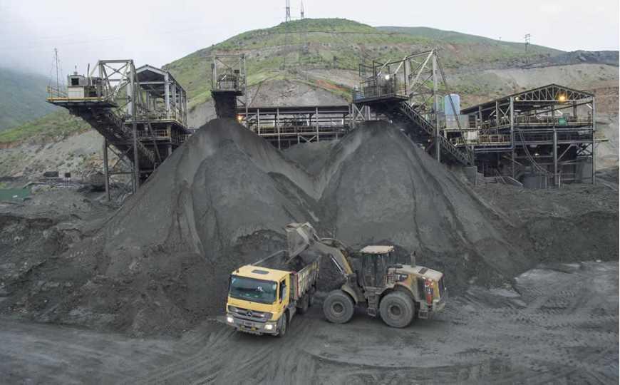 Empresas mineras evacuaron al 75% de su personal por cuarentena